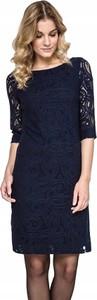 Granatowa sukienka Inna z okrągłym dekoltem w stylu casual prosta