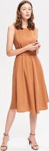 Brązowa sukienka Reserved midi rozkloszowana