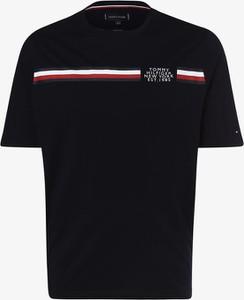 Niebieski t-shirt Tommy Hilfiger w młodzieżowym stylu