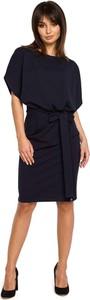 Czarna sukienka MOE z okrągłym dekoltem