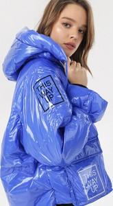 Niebieska kurtka born2be w stylu casual krótka