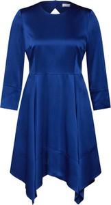 Niebieska sukienka Ivy & Oak z satyny z długim rękawem