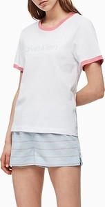 T-shirt Calvin Klein z okrągłym dekoltem z krótkim rękawem w stylu casual