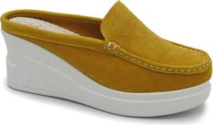 Żółte klapki Lanqier w stylu casual na koturnie