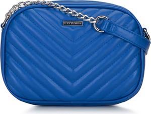 Niebieska torebka Wittchen pikowana na ramię średnia