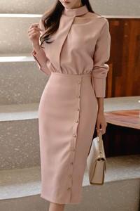 Różowa sukienka Ivet.pl z długim rękawem