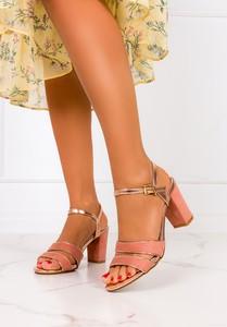 Sandały Casu z klamrami ze skóry