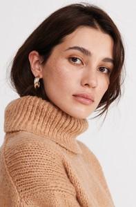 Brązowy sweter Reserved w stylu casual