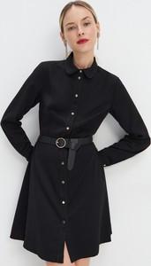 Czarna sukienka Mohito z długim rękawem koszulowa mini