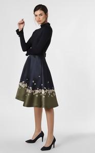 Sukienka Ted Baker midi rozkloszowana