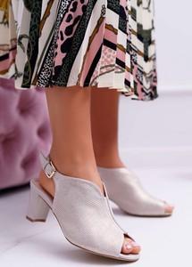 Srebrne sandały Sergio Leone z klamrami