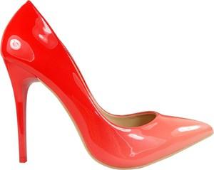 Czerwone szpilki Kokietki na wysokim obcasie ze spiczastym noskiem ze skóry ekologicznej
