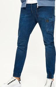 Granatowe jeansy Cropp z jeansu