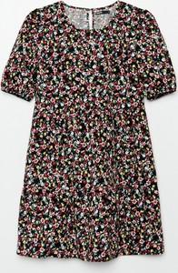 Sukienka Cropp mini z okrągłym dekoltem