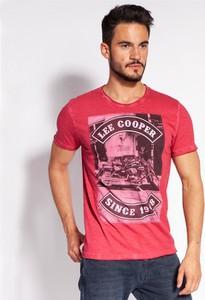 Czerwony t-shirt Lee Cooper z krótkim rękawem w młodzieżowym stylu