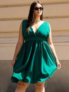Sukienka KARKO z dekoltem w kształcie litery v bez rękawów mini