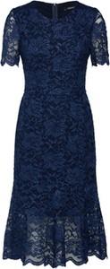 Niebieska sukienka Swing z krótkim rękawem dopasowana
