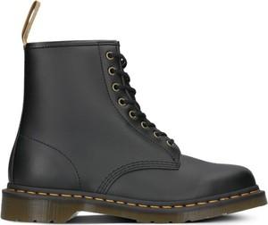 Buty zimowe Dr. Martens sznurowane w militarnym stylu ze skóry