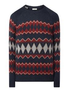 Granatowy sweter Selected Homme w młodzieżowym stylu