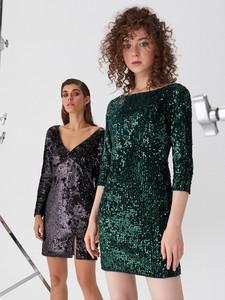 Zielona sukienka House z długim rękawem dopasowana mini
