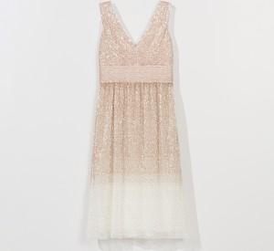 Złota sukienka Mohito z dekoltem w kształcie litery v bez rękawów mini