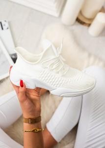 Buty sportowe Fason w sportowym stylu z płaską podeszwą