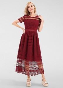 Czerwona sukienka Apart z krótkim rękawem