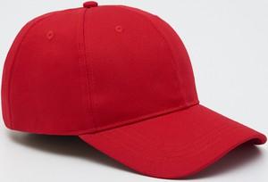 Czerwona czapka Sinsay