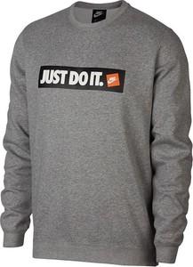 Bluza Nike z dzianiny w street stylu