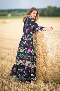 Sukienka Fobya maxi z długim rękawem z tkaniny