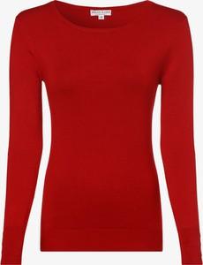 Czerwony sweter Marie Lund z dzianiny