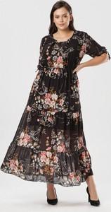 Sukienka born2be w stylu boho z okrągłym dekoltem