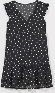 Sukienka Mohito trapezowa bez rękawów