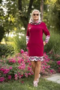 Czerwona sukienka Dreskot sportowa z długim rękawem z okrągłym dekoltem