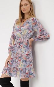 Sukienka born2be mini z tkaniny trapezowa