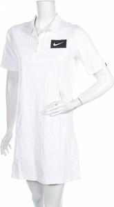 Sukienka Nike mini z krótkim rękawem z kołnierzykiem