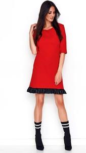 Sukienka Makadamia ze skóry z okrągłym dekoltem prosta