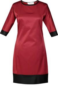 Czerwona sukienka Fokus ze skóry oversize z okrągłym dekoltem
