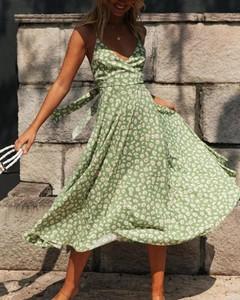 Sukienka Kendallme na ramiączkach midi
