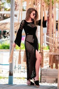 Czarna sukienka Fobya z długim rękawem