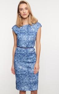 Niebieska sukienka QUIOSQUE prosta w stylu casual z okrągłym dekoltem