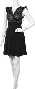 Czarna sukienka Manon Bastille bez rękawów