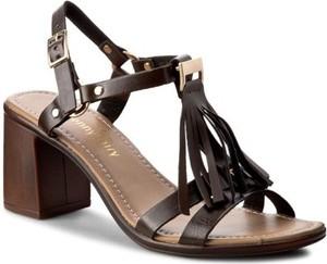 Brązowe sandały Jenny Fairy