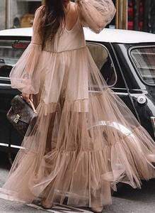 Sukienka Cikelly z dekoltem w kształcie litery v z tiulu