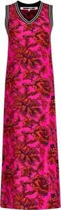 Różowa sukienka McQ Alexander McQueen maxi w stylu casual