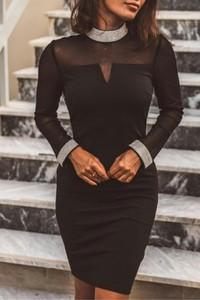 Czarna sukienka IVET z długim rękawem dopasowana mini
