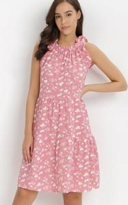 Sukienka born2be bez rękawów z okrągłym dekoltem mini