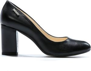 Czarne czółenka Zapato na obcasie ze skóry w stylu klasycznym
