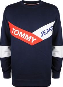 Niebieska bluza Tommy Hilfiger w młodzieżowym stylu z bawełny