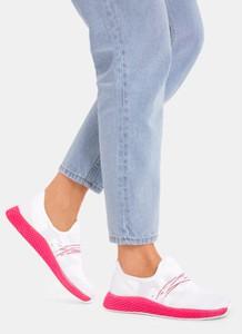 Różowe buty sportowe DeeZee z płaską podeszwą